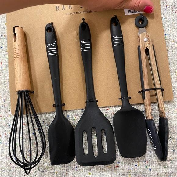 rae dunn 5 pcs utensils
